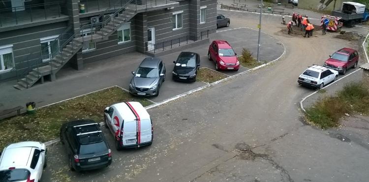 Парковки во дворах запретят в Украине