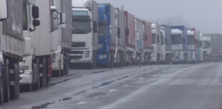 На Волынских дорогах начали действовать ограничения на движение грузовиков