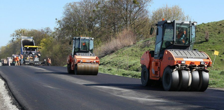 В Тернополе продолжается капитальный ремонт дорог